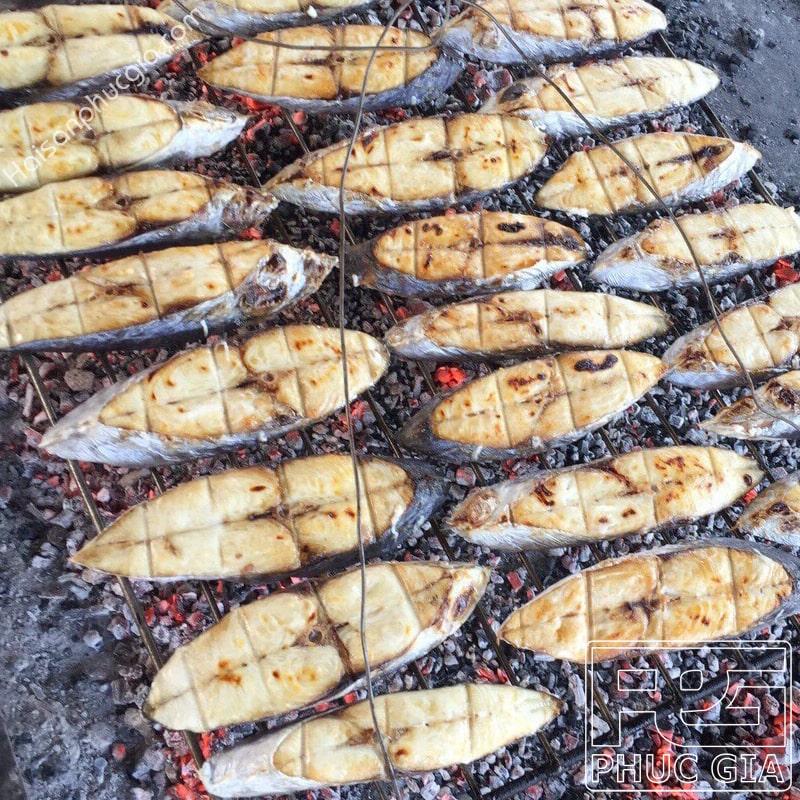 Địa chỉ uy tín sỉ lẻ bán cá thu nướng cắt khúc ngon
